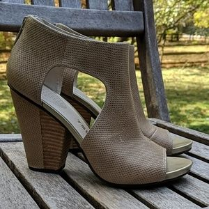 Tsubo Peep Toe Snakeskin Cutout Stacked Heels
